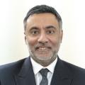 Vik Sharma استشاري في طب العيون واخصائي ساد وزرق في لندن